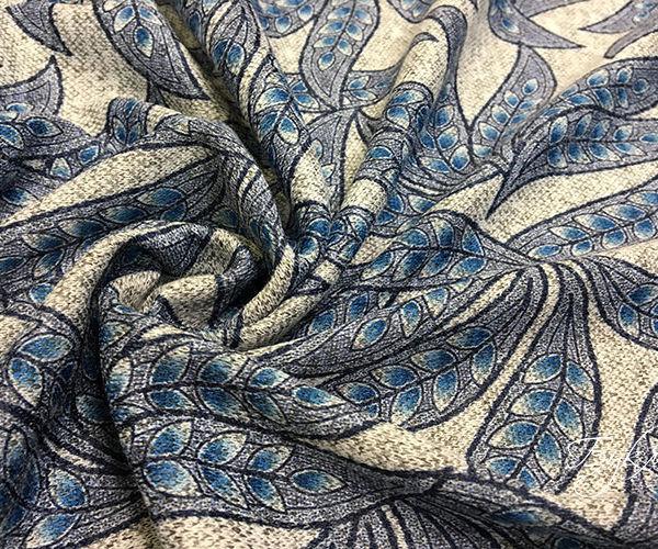 Серый Трикотаж с Голубыми Листьями