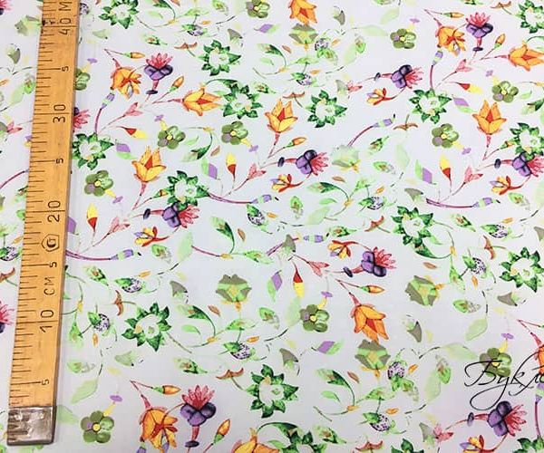 зеленоватая ткань с цветами