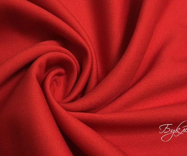Красная плотная ткань