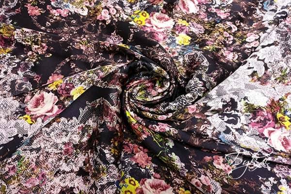 Атласная Ткань с Цветочным Узором