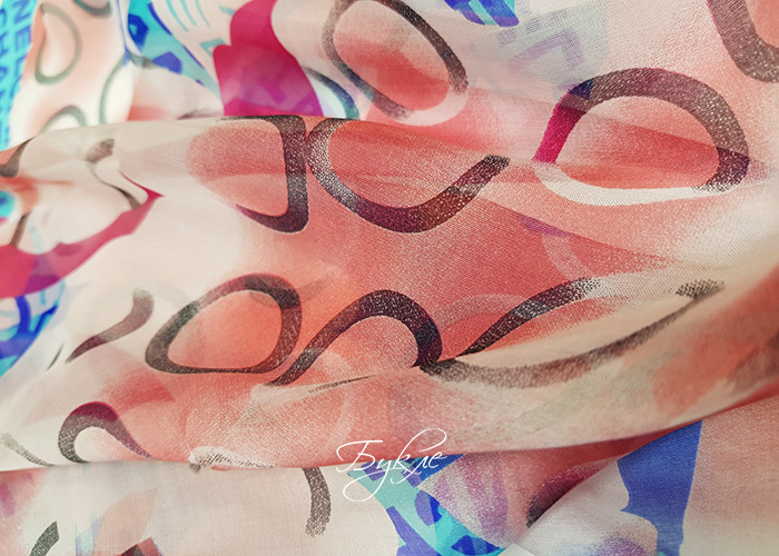 Шелк шифон шанель с розовым и голубым рисунком фото