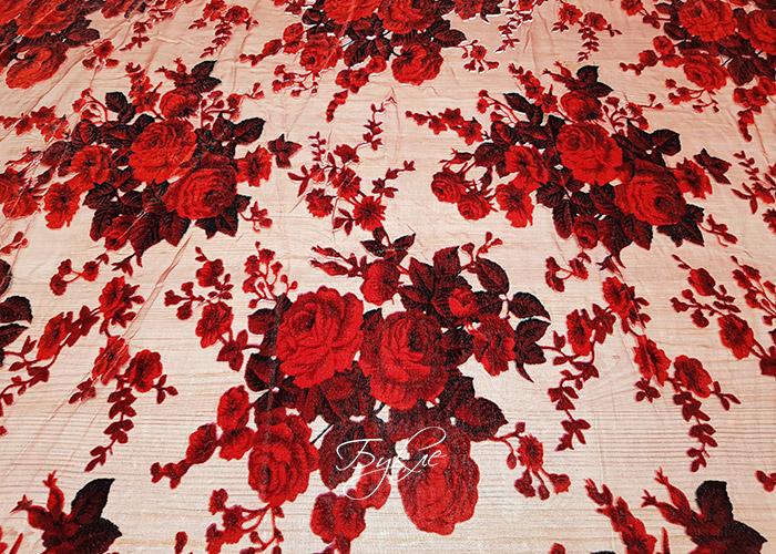 Шелк Панбархат Красные Розы фото